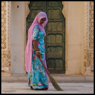 Jodhpur - Woman Sweeping