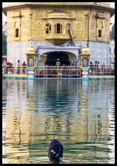 Holy Water Bath with Kirpan, Golden Temple
