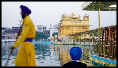 Two Turbans, Golden Temple