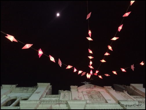 Christmas Moon - Kochi
