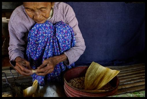 Rolling Cigar - Bagan