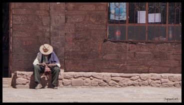 Taquile - Man Weaving